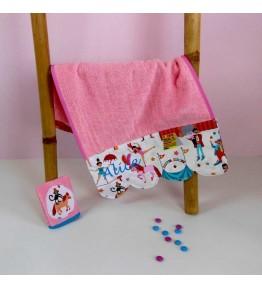 serviette de toilette pour b b personnalis cr aflo. Black Bedroom Furniture Sets. Home Design Ideas