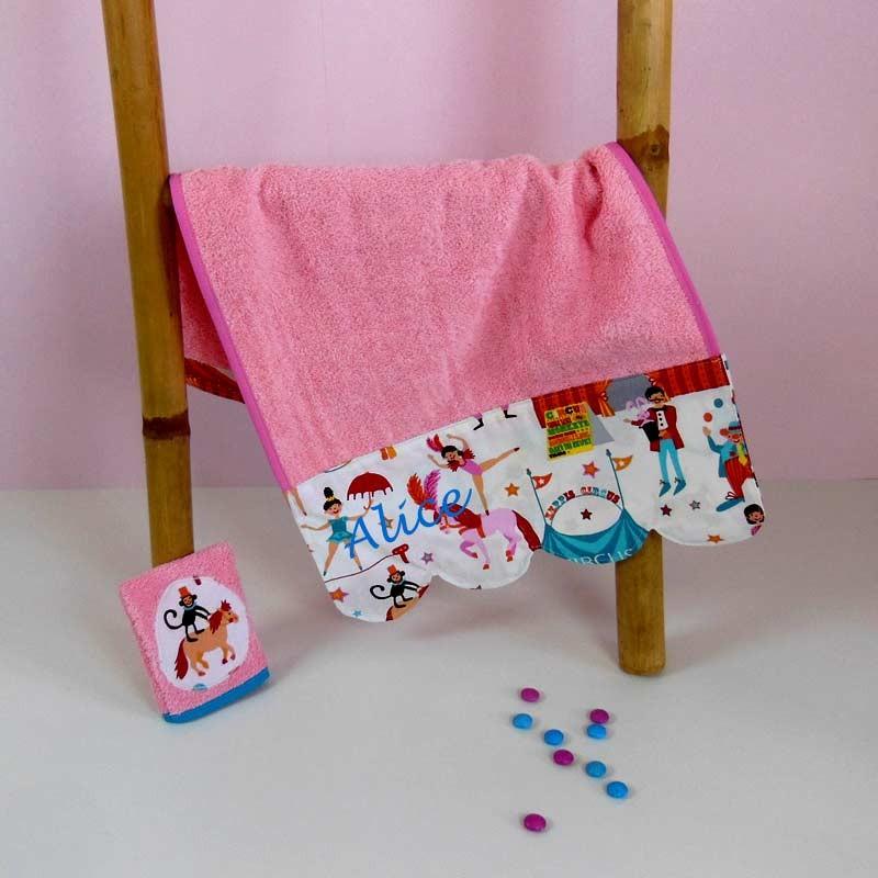 Serviette de toilette bébé personnalisée - Circus