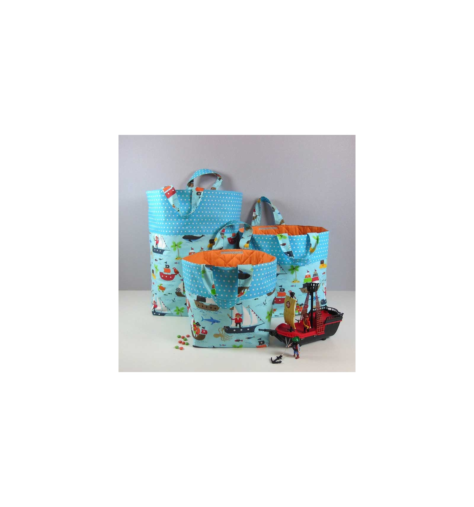 grand coffre jouets bleu sac enfant personnalis pirate cr aflo. Black Bedroom Furniture Sets. Home Design Ideas