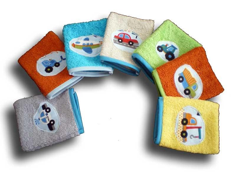 lot semaine de 7 gants de toilette bébé motifs voiture et camion