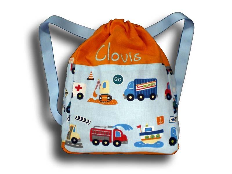sac dos gar on avec des camions sac dos enfant sac. Black Bedroom Furniture Sets. Home Design Ideas