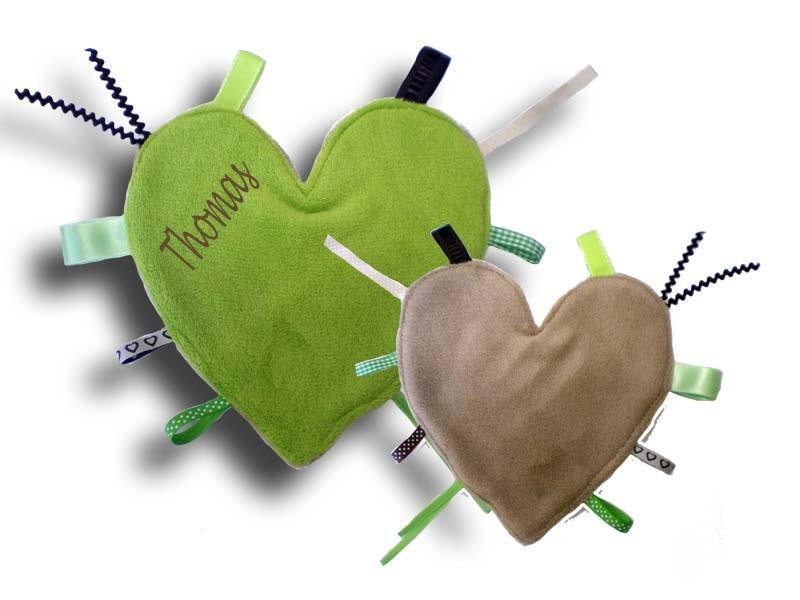 Doudou étiquettes coeur pomme-beige