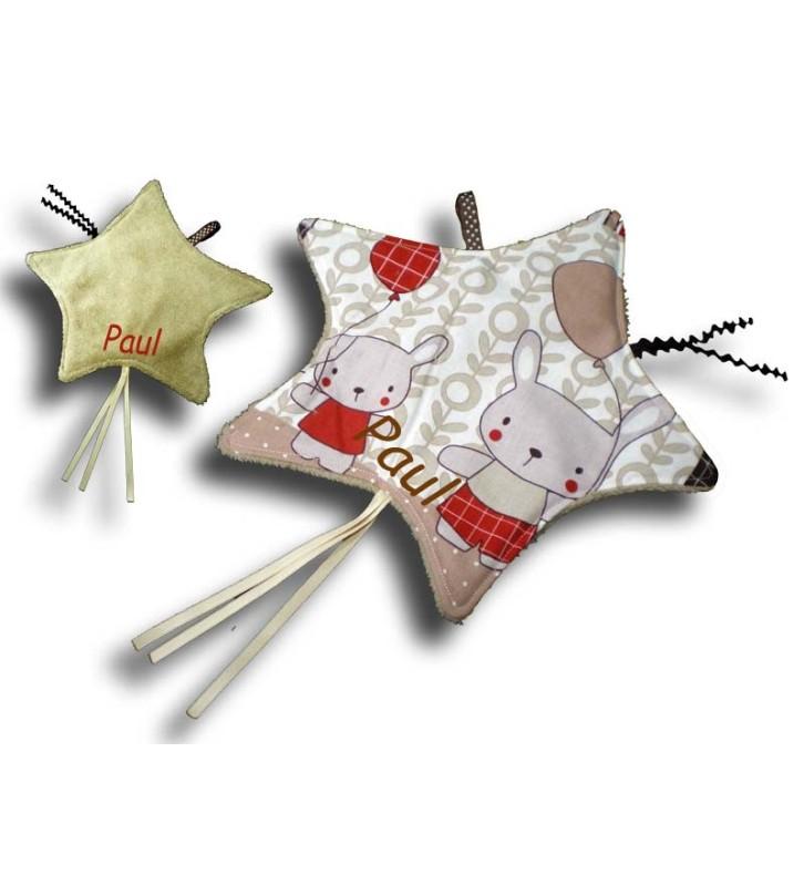 Doudou étiquettes forme étoile et motif petit lapin