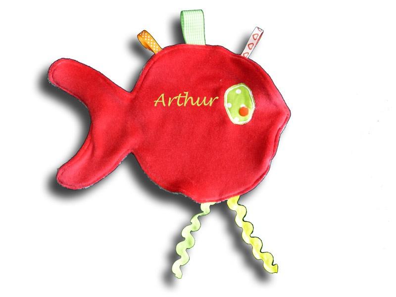 Doudou poisson rouge prénom brodé