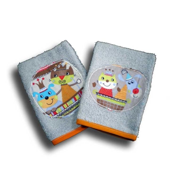 2 gants de toilette enfant motifs Cirque