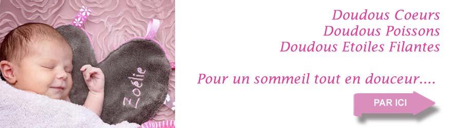 Le doudou est un cadeau de naissance incontournable, doudou en forme de cœur ou d'étoile filante ou de poisson. Doudou personnalisé du prénom de bébé.
